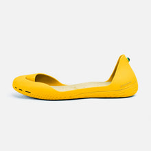 Load image into Gallery viewer, Freshoes Yellow Sun with the Vegan insoles Beige side view