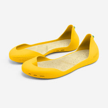 Load image into Gallery viewer, Freshoes Yellow Sun with the Vegan insoles Beige perspective view