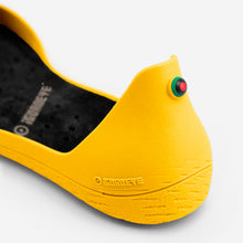 Load image into Gallery viewer, Freshoes Yellow Sun with the Vegan insoles Black close up view