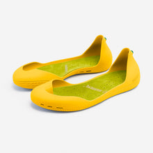 Load image into Gallery viewer, Freshoes Yellow Sun with the Suede leather insoles Yellow Green perspective view