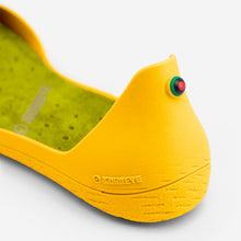 Load image into Gallery viewer, Freshoes Yellow Sun with the Suede leather insoles Yellow Green close up view