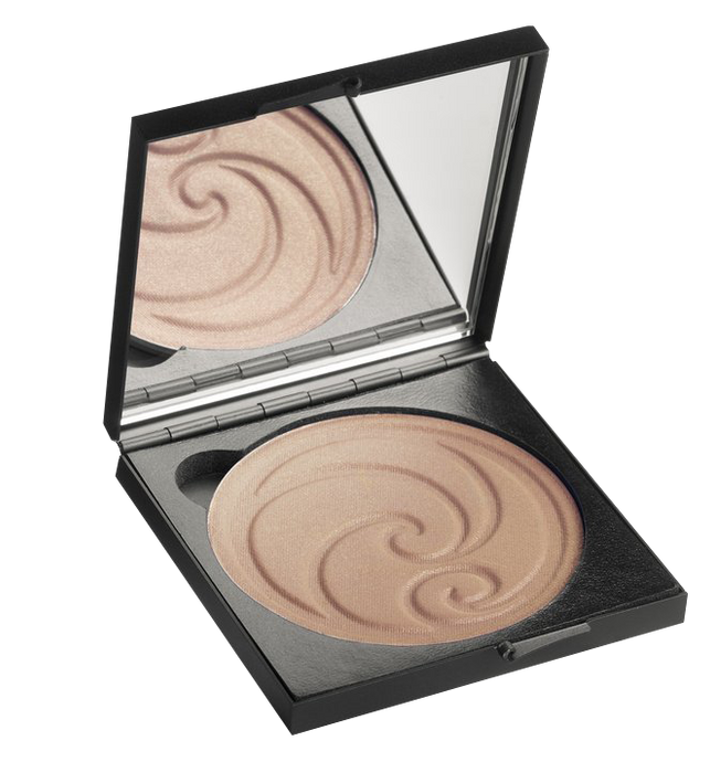 Living Nature's Summer Bronze Pressed Powder delivers a radiant, sun-kissed complexion.