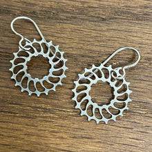 Load image into Gallery viewer, Titanium Boone Titanium Cog Earrings