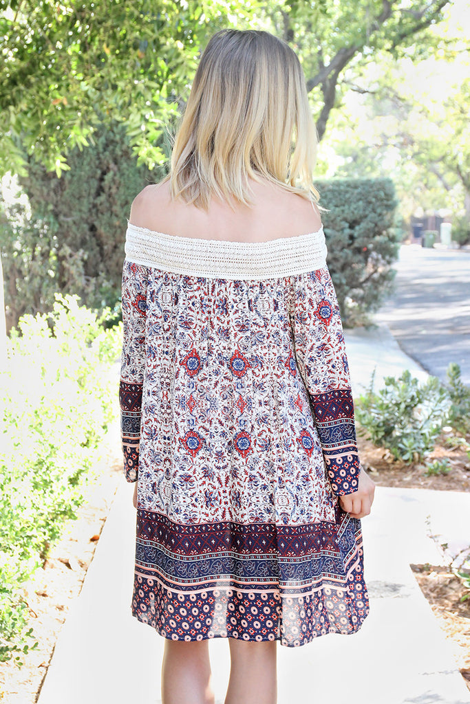 OFF-THE-SHOULDER PRINT DRESS