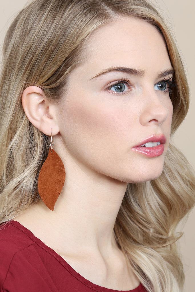 HDE2196 - FRINGE SUEDE LEATHER EARRINGS