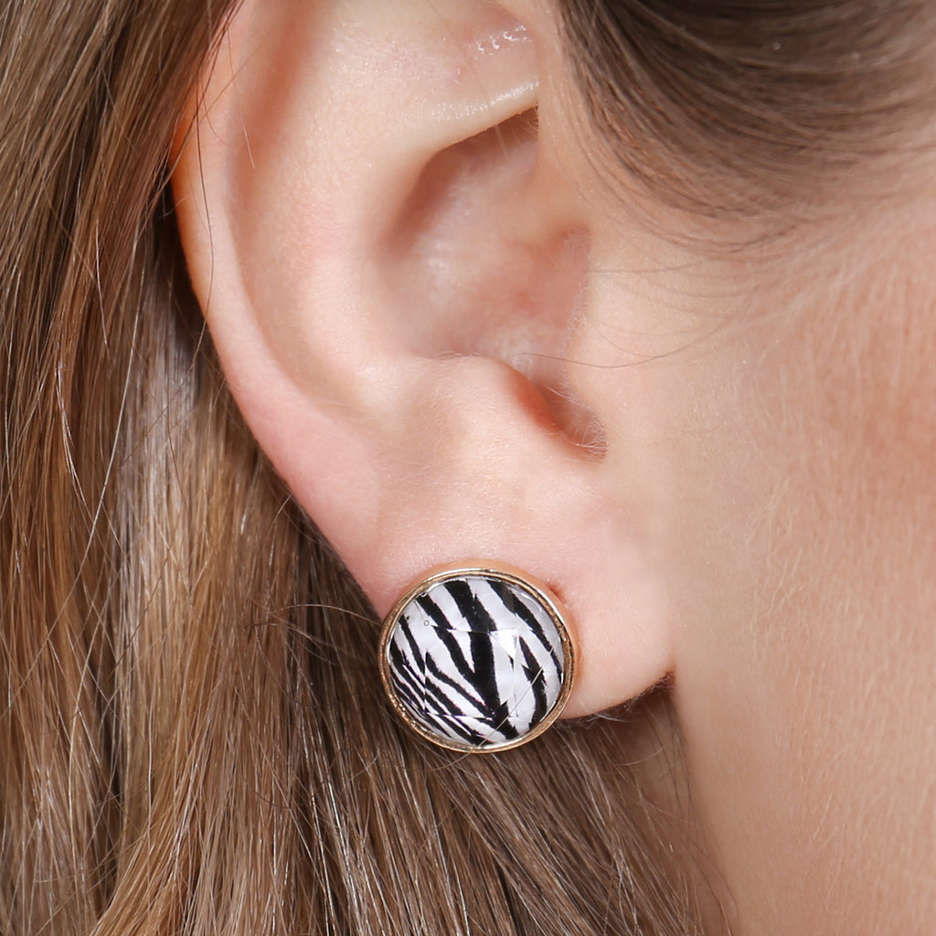HDE2572 - ROUND SHAPE CUSHION EARRINGS