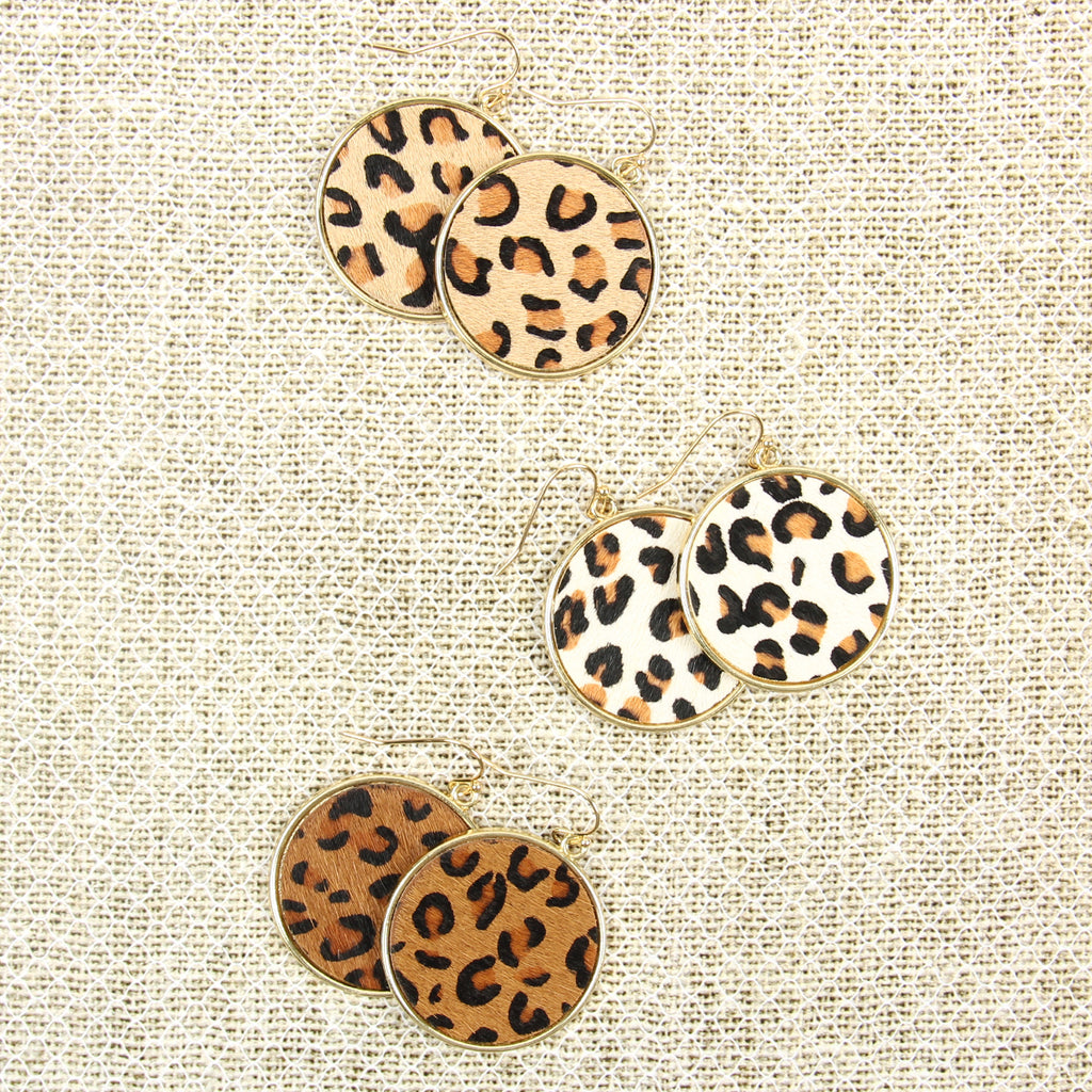 HDE2594 - LEOPARD PRINTED LEATHER CIRCLE DROP EARRINGS