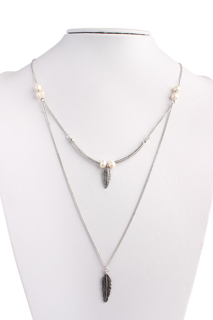 Delicate Chain Leaf Pendant Necklace