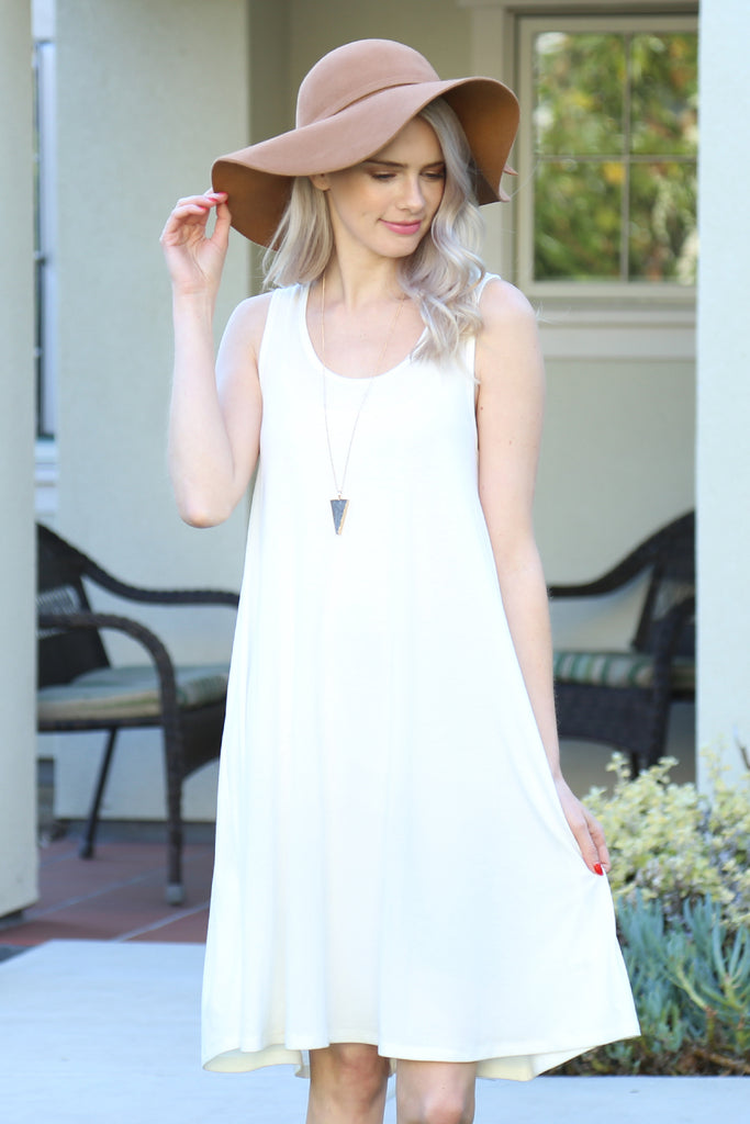 Sleeveles Flared Pocket Dress