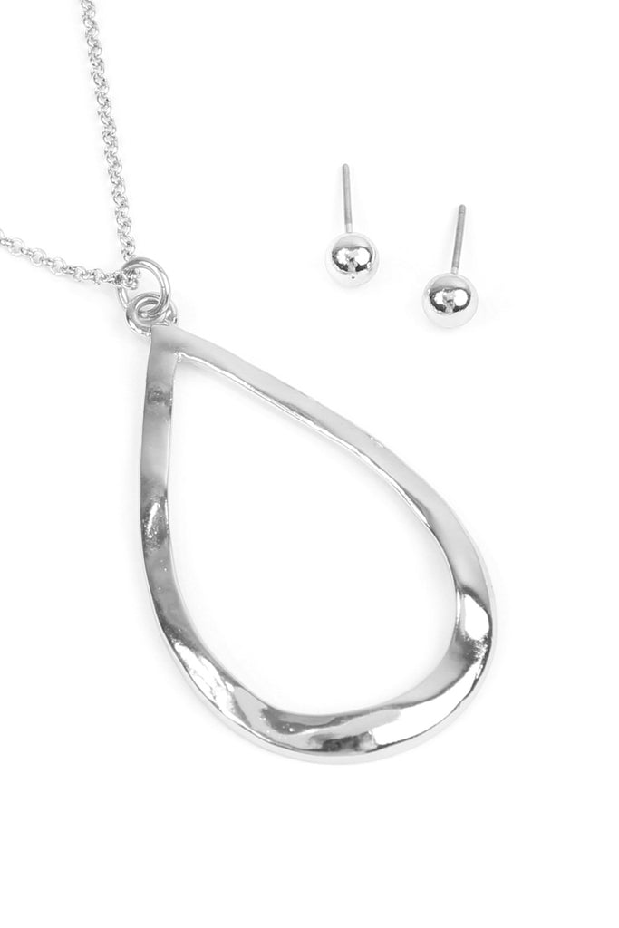 Cut-Out Teardrop Pendant Design Necklace