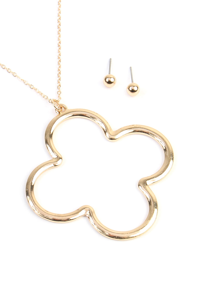 Cut-Out Quaterfoil Pendant Design Necklace