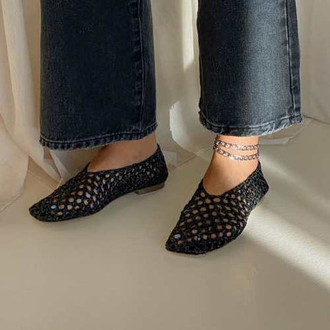 anklets with flat shoes
