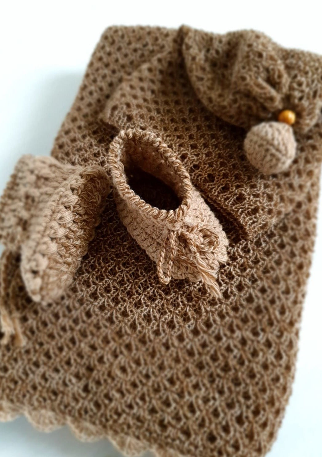 Baby set. Blanket, hat, booties. 100% Superfine Merino Wool