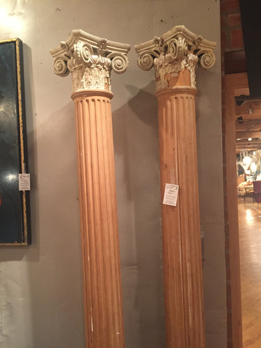 Corintian style wooden columns - The Sweetwood Collection