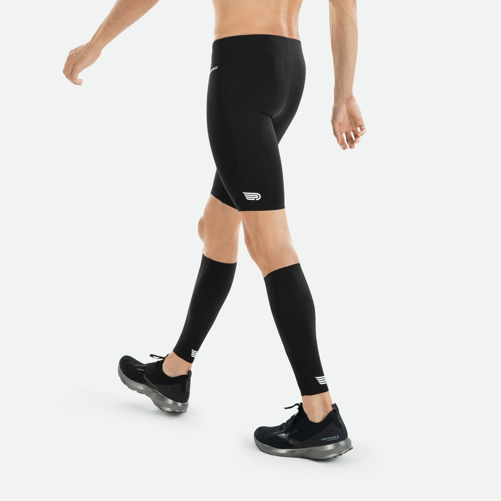 Align your muscles for greater power output, and help protect against overuse injuries wearing Pressio men's compression shorts.