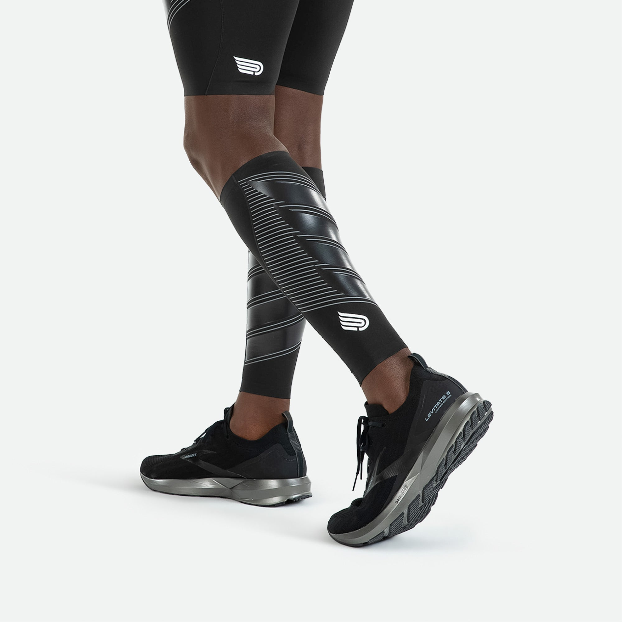 Pressio unisex power calf guards utilizing MAPP technology cocooning your calves for extra stabilization.