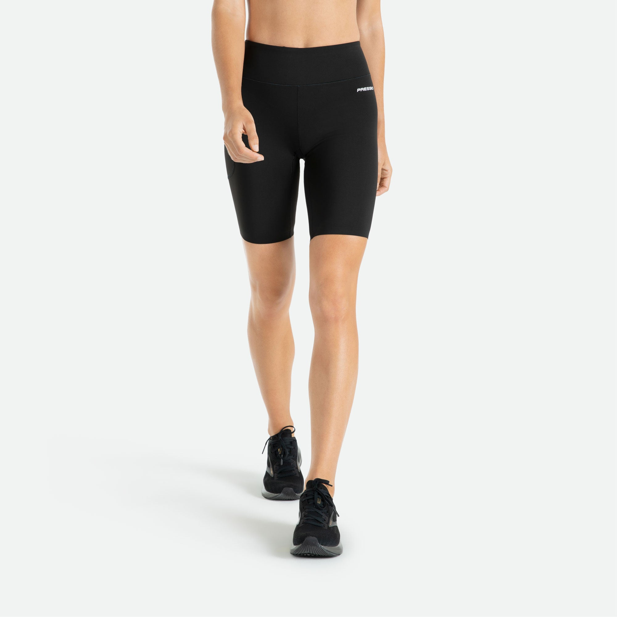 Womens Pressio 5'' mid rise compression short is figure flattering and with active seams will move with the body and enable restriction-free workouts.