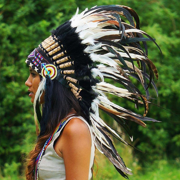 Black and White Mixed-Feathers Native American Headdress ...