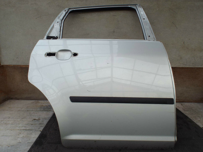 FORD FOCUS C-MAX 2007-2010 FACELIFT REAR DOOR RIGHT DRIVER SIDE IN SILVER