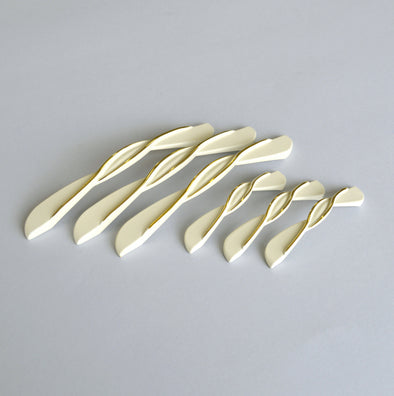 Set of 6 Creamy White And Gold Cabinet Pull. Porcelain Look Braid Drawer Handle 4111/2
