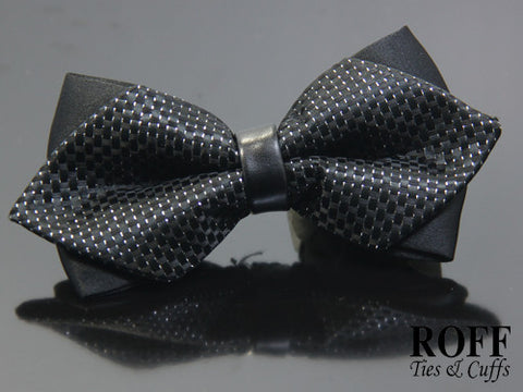 Pointed Tips Textured Bow Tie