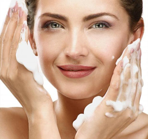 How to Choose the Best Face Wash that Suits Your Skin