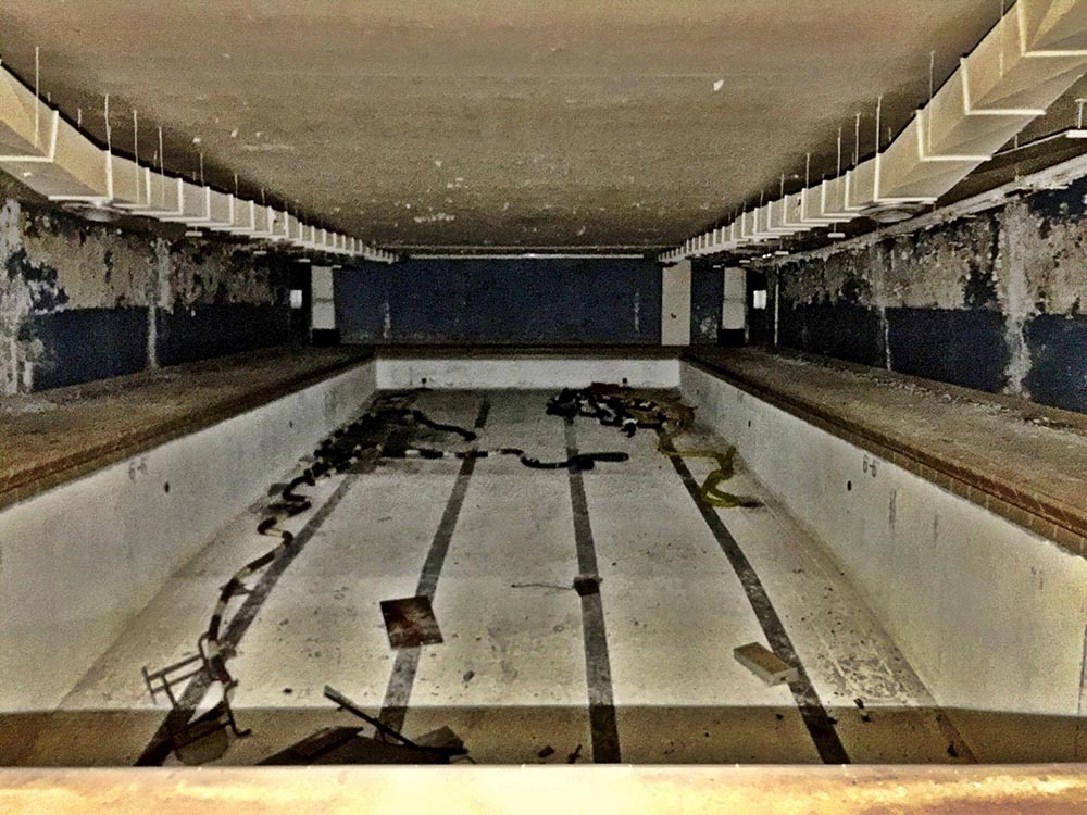 Swimming Pool - There are several swimming pools on the island. This one is just down the hall from the Bering Theater.