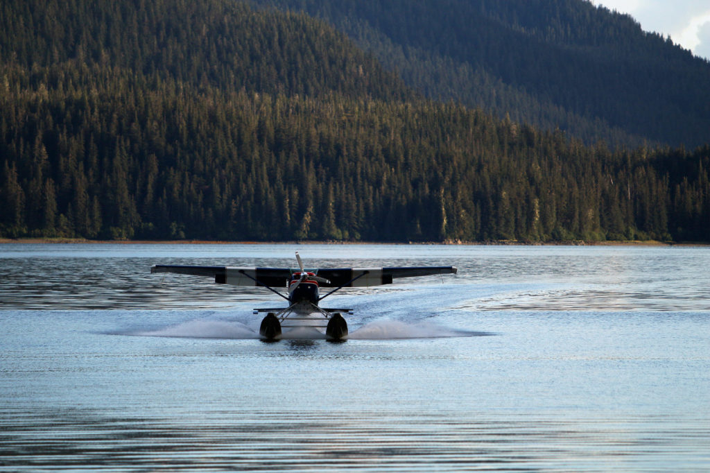 Floatplane transporting visitors to Admiralty Island