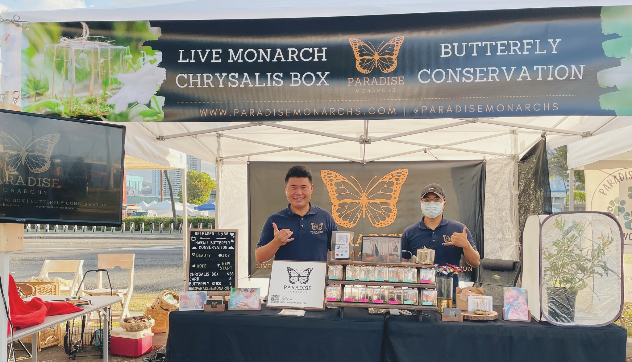 Henry & Justin at Kakaako farmers market booth