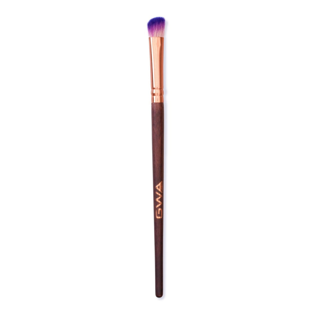 Fluffy Angled Eyeshadow Brush | Fairytale Collection