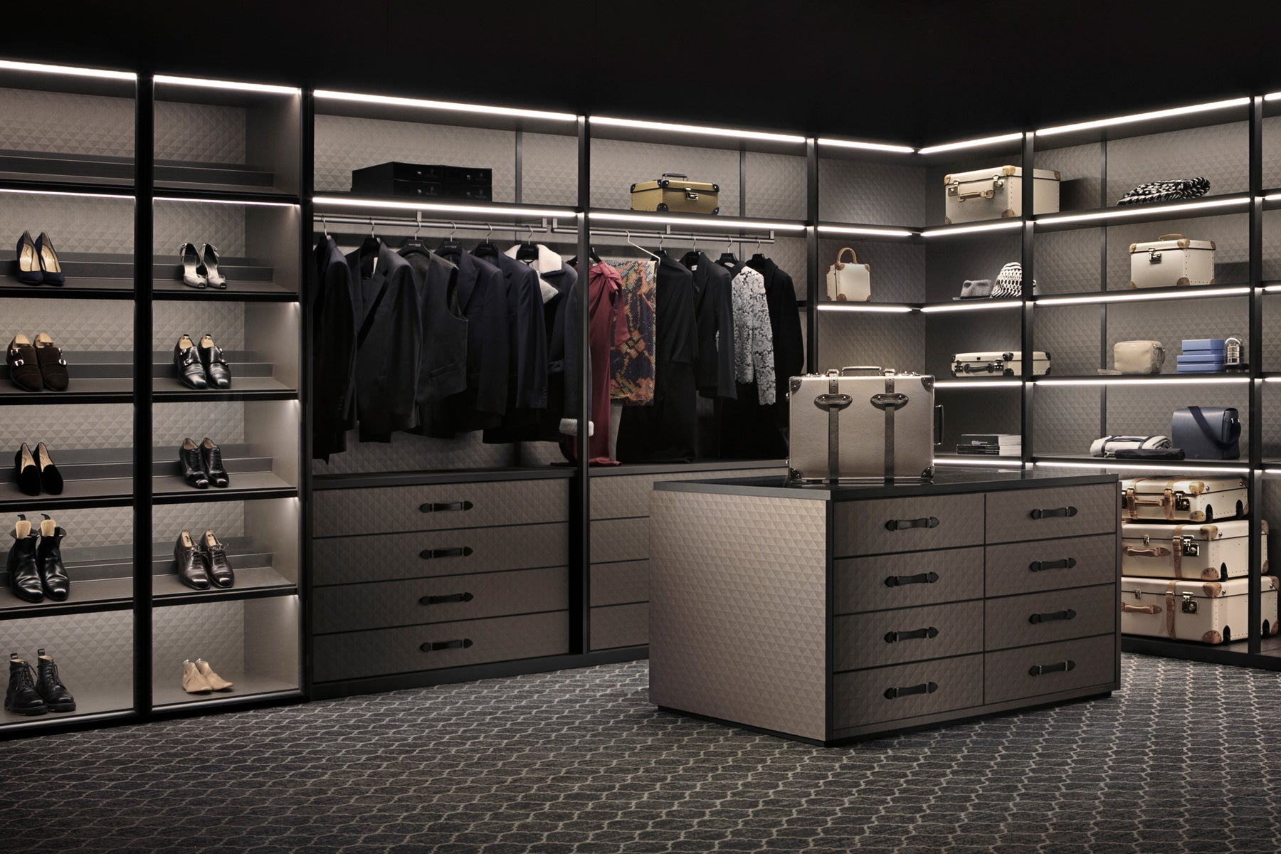 The Wardrobe for GLOBE-TROTTER by Molteni&C