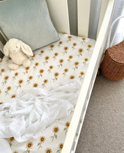 Load image into Gallery viewer, Bassinet Fitted Sheets