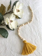 Load image into Gallery viewer, Tassel Garland
