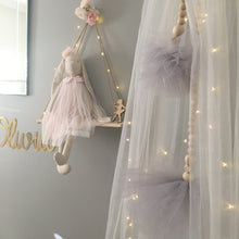 Load image into Gallery viewer, Tulle Pom Pom Garlands