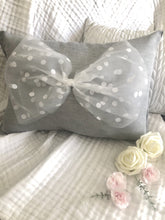 Load image into Gallery viewer, Tulle Bow Pillows