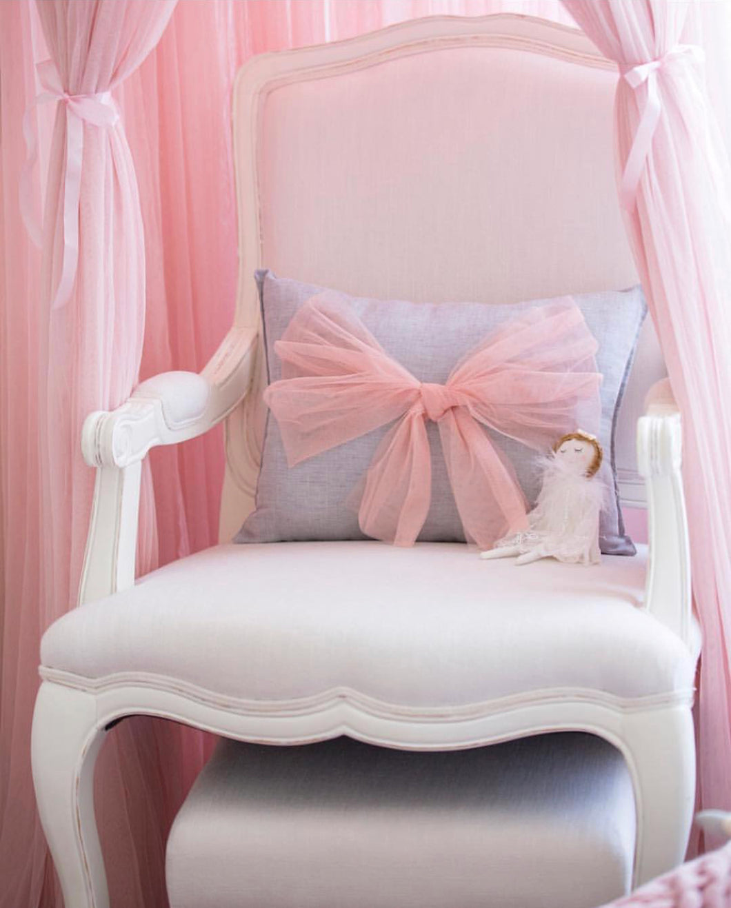 Tulle Bow Pillows