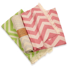 Load image into Gallery viewer, Mersin Chevron Towel / Blanket Pink