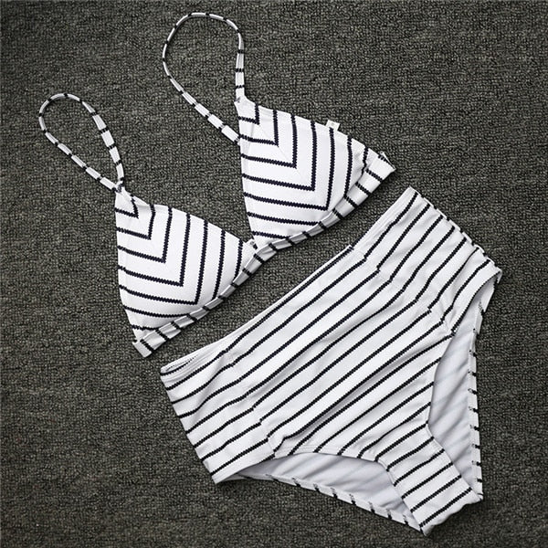 Retro White Black Striped Ripple