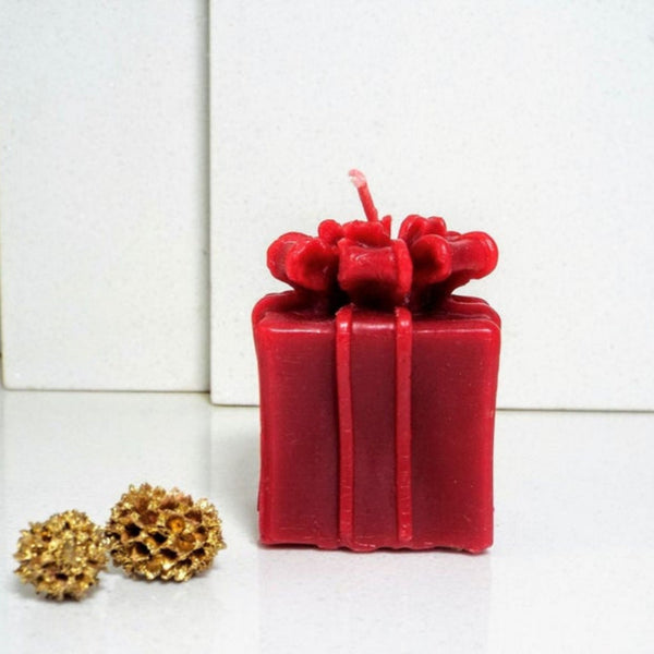 Beeswax Present Candle in Red
