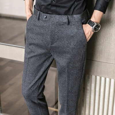 Autumn and winter men's herringbone brushed small trousers Korean version of thin slim young students casual business trousers
