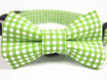 Load image into Gallery viewer, Green Gingham Dog Collar Bow Tie Set