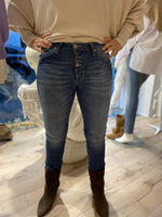 Afbeelding in Gallery-weergave laden, Jeans Two-Button P06DBQ2P3G 3612 Jeans