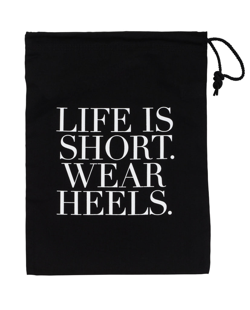 "<img src=travelshoebag.jpg"" alt=""travel shoe bag to keep away dust and dirt and life is short wear heels"">"