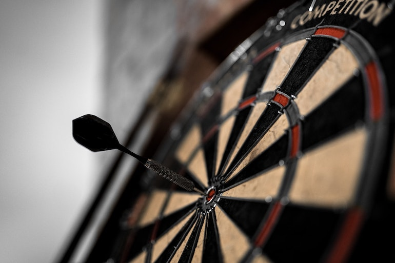 Reply to reviews: A bullseye on a dartboard.