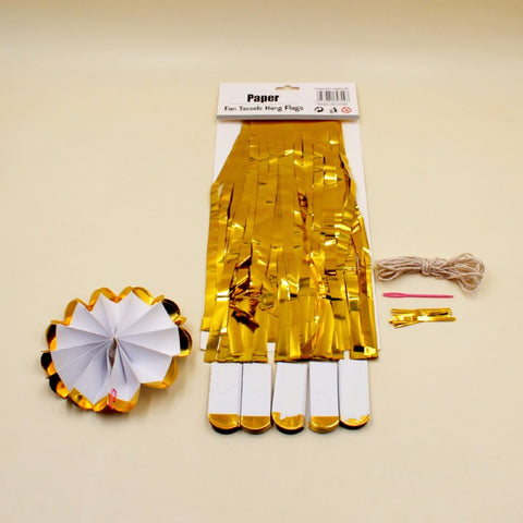Decor 6 Fan and 7 Tassels in Gold - Basics.Pk