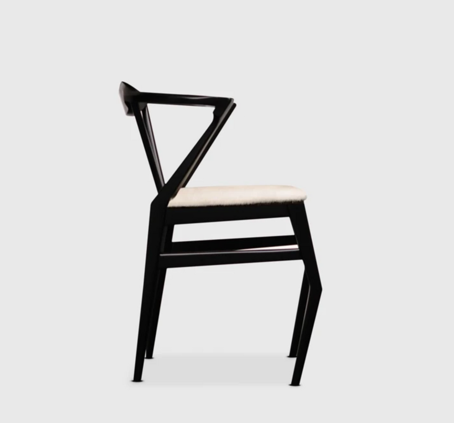 Modern and minimalist chair by Mexico City Design Studio Atra. Represented by Tuleste Factory in New York City.
