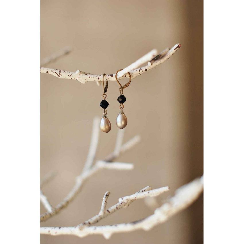 Blackstone Pearl Earrings