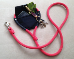 fozzyDog Leash with storage pouch in red