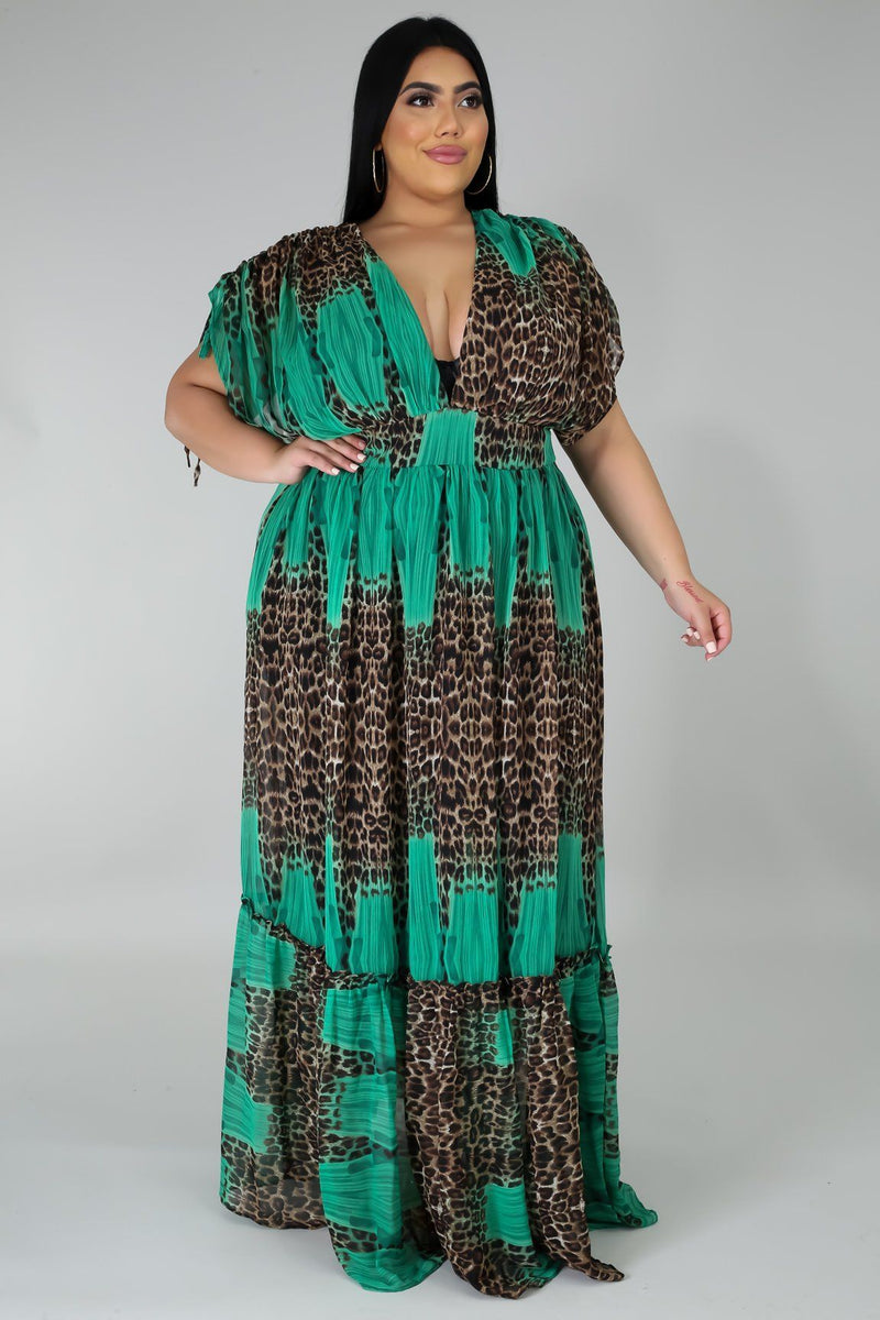 Esmeralda Elegant V-Neck Plus Size Maxi Dress