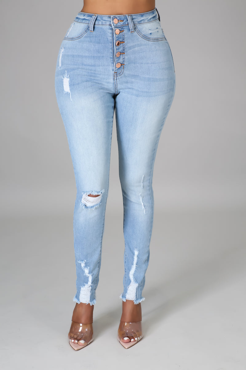Alexis Distressed Jeans